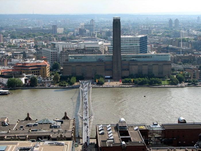 Tate_Modern_et_Millennium_Bridge